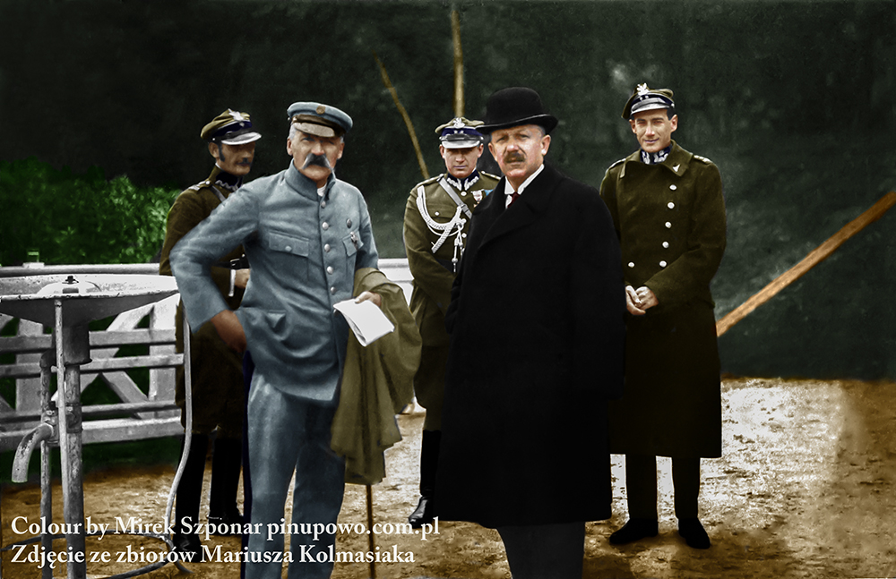 Zygmunt Wenda, Marszałek, NN, Kazimierz Bartel i Józef Beck. Wykonano je w Druskiennikach we wrześniu 1926 r.km